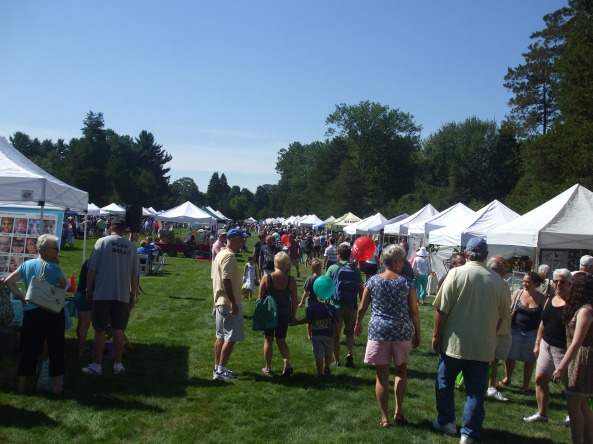 The Middletown Open Air Market and Festival at the Wadsworth Mansion. Photo by Jason Harris.