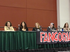 The Women of Horror panel: (from left to right) actress Heather Langenkamp, author Tracy Carbone, author Stacey Longo, author Trisha Wooldridge, and actress Lisa Marie. Photo by Jason Harris.
