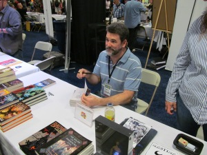 Author Christopher Golden.