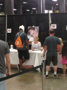 Laurie Holden of 'The Walking Dead' talking with a fan.