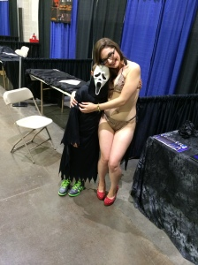 Model/Actress Sarah Michelle with a young Scream fan.