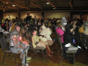 Costume_crowd2